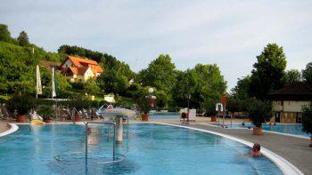 Auusenpool Heiltherme Bad Waltersdorf im Thermenland Steiermark
