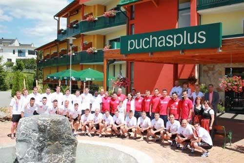 Fußballmannschaft RNK Split und Hotel PUchasplus Mitarbeiter